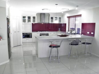Kitchen designs find new kitchen designs with 1000 39 s of for Modern u shaped kitchen designs
