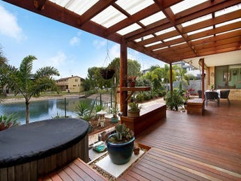 Outdoor living design with deck from a real Australian home - Outdoor Living photo 582015