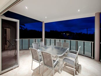 Indoor-outdoor outdoor living design with balcony & outdoor furniture setting using tiles - Outdoor Living Photo 808388