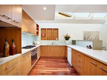Modern u-shaped kitchen design using hardwood - Kitchen Photo 1252378
