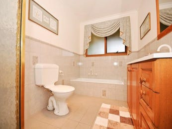 Classic bathroom design with recessed bath using ceramic - Bathroom Photo 313993