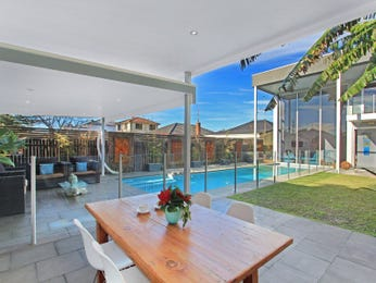 In-ground pool design using brick with bbq area & outdoor furniture setting - Pool photo 1553412