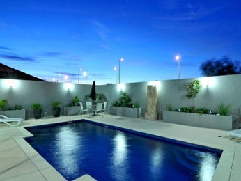 Photo of a geometric pool from a real Australian home - Pool photo 859269