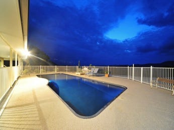 Photo of a freeform pool from a real Australian home - Pool photo 814961