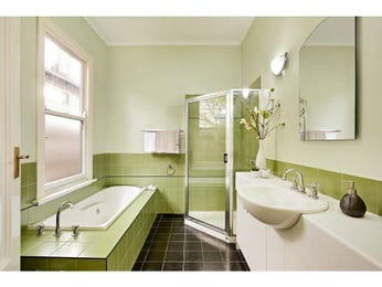 Classic bathroom design with recessed bath using ceramic - Bathroom Photo 1407629
