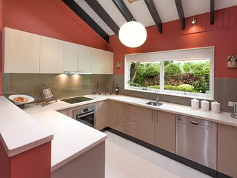 Wood panelling in a kitchen design from an Australian home - Kitchen Photo 7704741