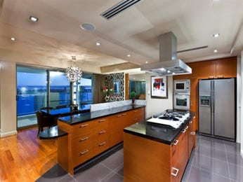 Modern kitchen-dining kitchen design using floorboards - Kitchen Photo 1033575