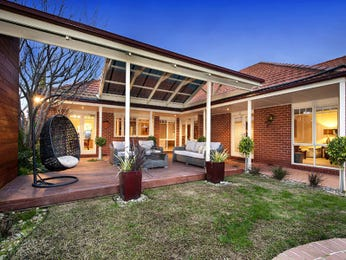 Indoor-outdoor outdoor living design with pergola & decorative lighting using brick - Outdoor Living Photo 1586340