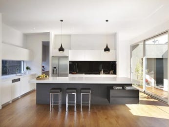 Modern island kitchen design using floorboards - Kitchen Photo 320037