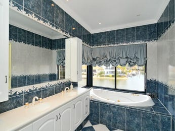 Tiles in a bathroom design from an Australian home - Bathroom Photo 1407946