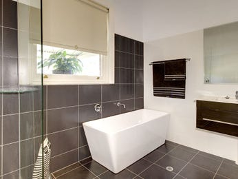 Blinds In A Bathroom Design From An Australian Home