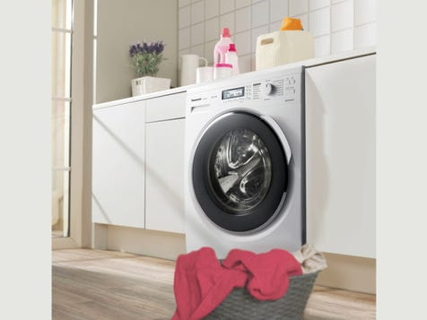 10KG FRONT LOADER WASHING MACHINE Sensor technology detects the needs of each wash load and adjusts according, while a very clever stain removal feature ensures that no matter how dirty your clothes are, they will come out pristine and perfect.