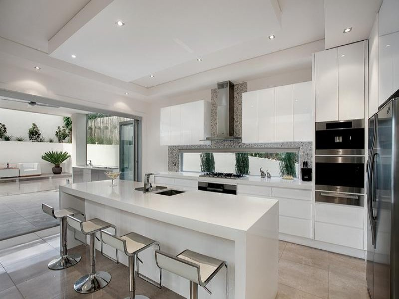 Modern Island Kitchen Design Using Marble Photo