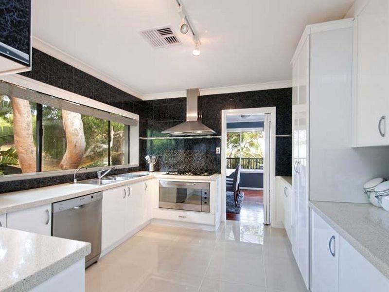 Classic Galley Kitchen Design Using Glass Kitchen Photo 128464