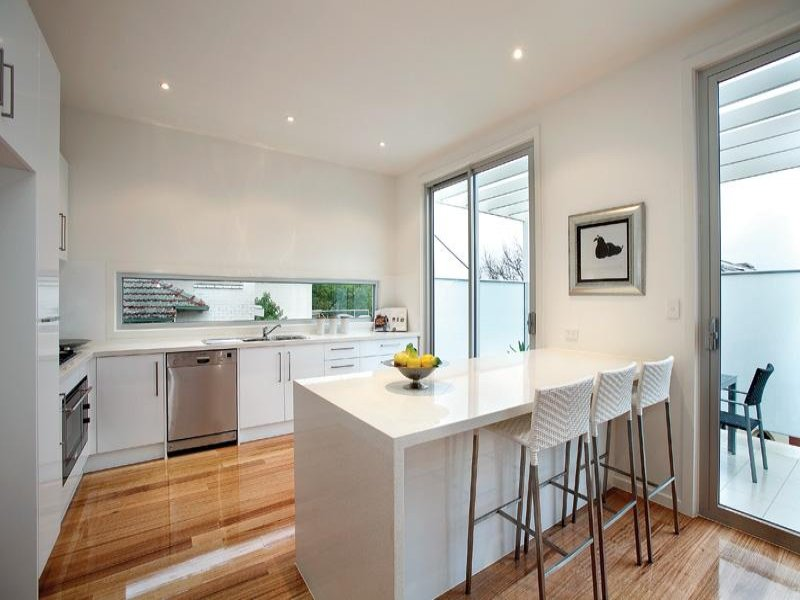 Modern L Shaped Kitchen Design Using Hardwood Kitchen