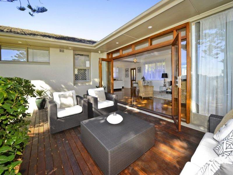 Indoor Outdoor Outdoor Living Design With Deck