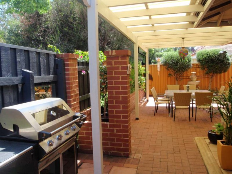 Outdoor Living Design With Bbq Area From A Real Australian Home Photo 1020588