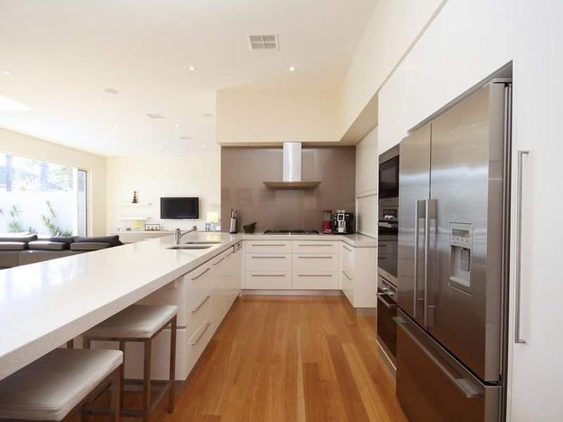 Side by side fridge in a kitchen design from an australian for Kitchen designs in australia
