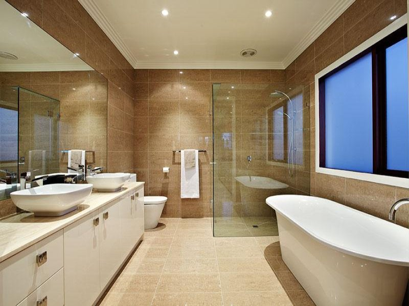 Modern bathroom design with corner bath using ceramic for Salle de bain originale