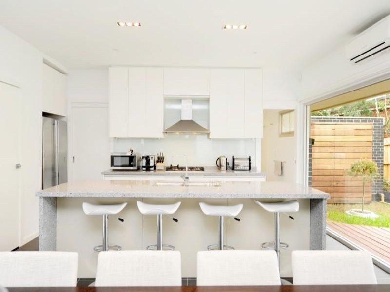 Modern kitchen-dining kitchen design using laminate - Kitchen Photo 421544