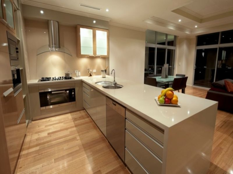 Modern island kitchen design using floorboards - Kitchen Photo 340642