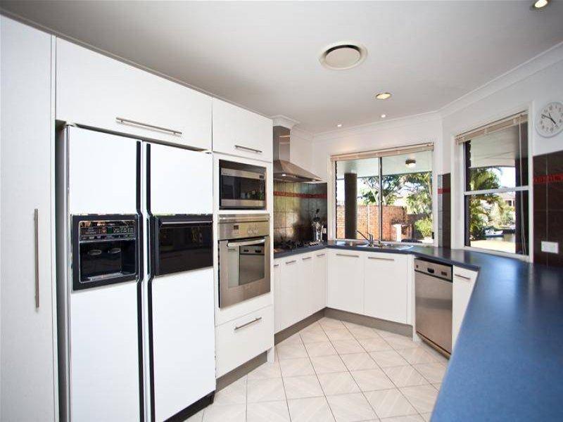 modern u shaped kitchen design using tiles kitchen photo 507706. Black Bedroom Furniture Sets. Home Design Ideas