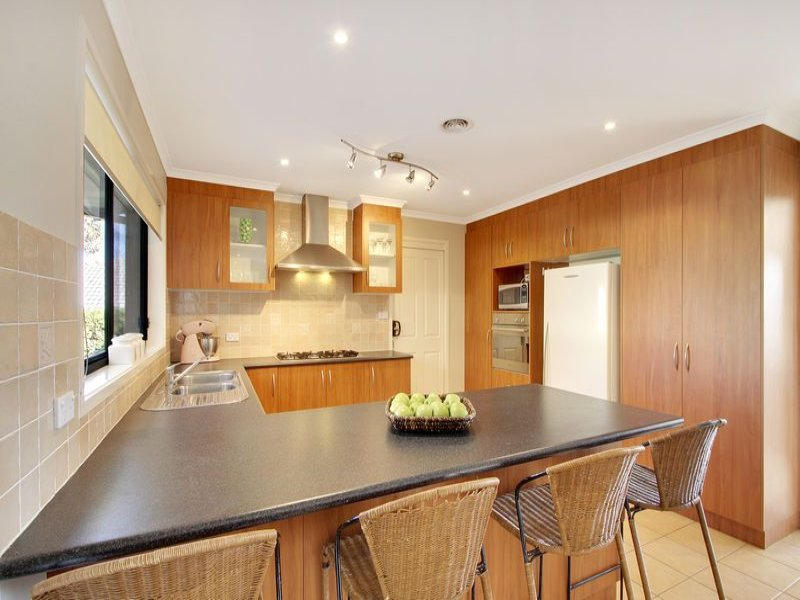 Stainless Steel In A Kitchen Design From An Australian Home Kitchen Photo 1331345