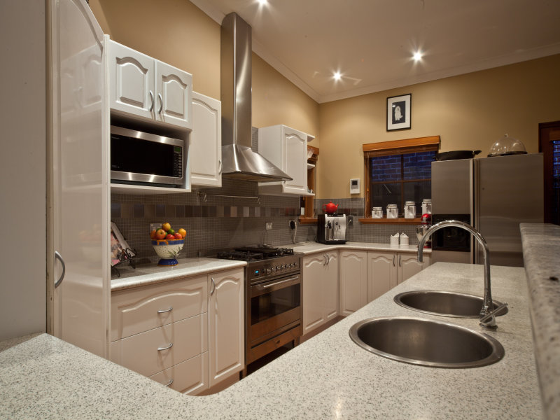 Country L Shaped Kitchen Design Using Marble Kitchen