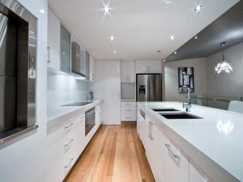 Decorative lighting in a kitchen design from an Australian home - Kitchen Photo 369291