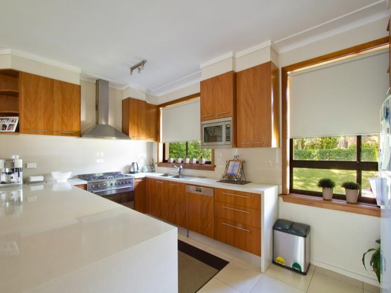 Dishwasher In A Kitchen Design From An Australian Home Kitchen Photo 1059557