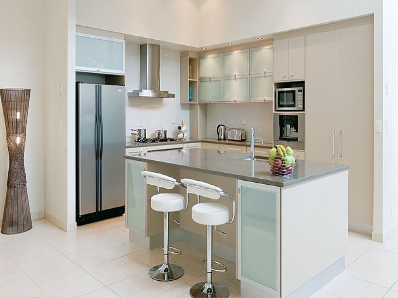 Classic kitchen-dining kitchen design using tiles - Kitchen Photo 394817