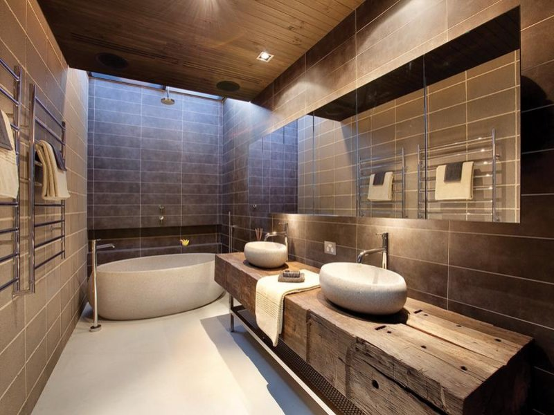 Bathroom Design With Freestanding Bath Using Frameless Glass
