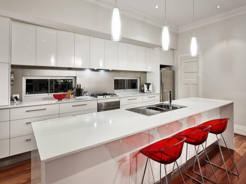 Modern island kitchen design using hardwood kitchen for Pop design for kitchen