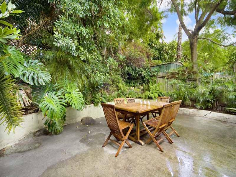 Photo of a low maintenance garden design from a real Australian home - Gardens photo 315647