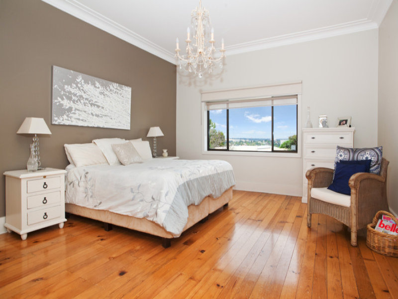Neutral bedroom design idea from a real australian home for Interior design bedroom australia
