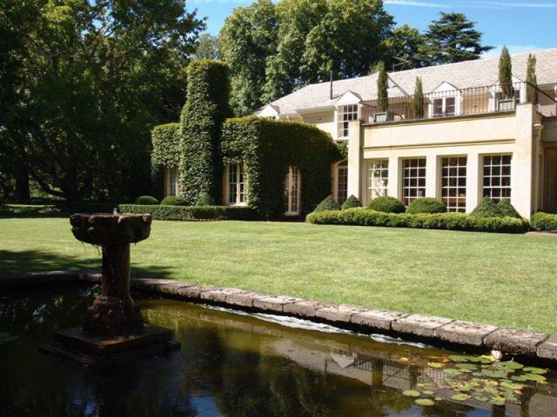 baroque garden design using stone with fish pond  u0026 fountain