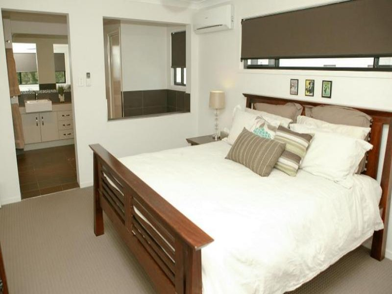 Brown bedroom design idea from a real australian home for Bedroom ensuite ideas