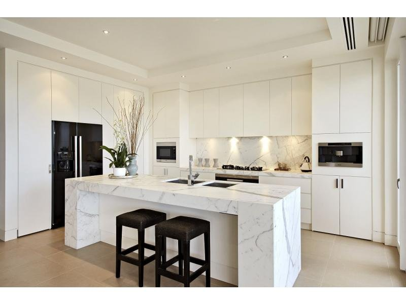 Decorative lighting in a kitchen design from an australian for Modern kitchen design australia