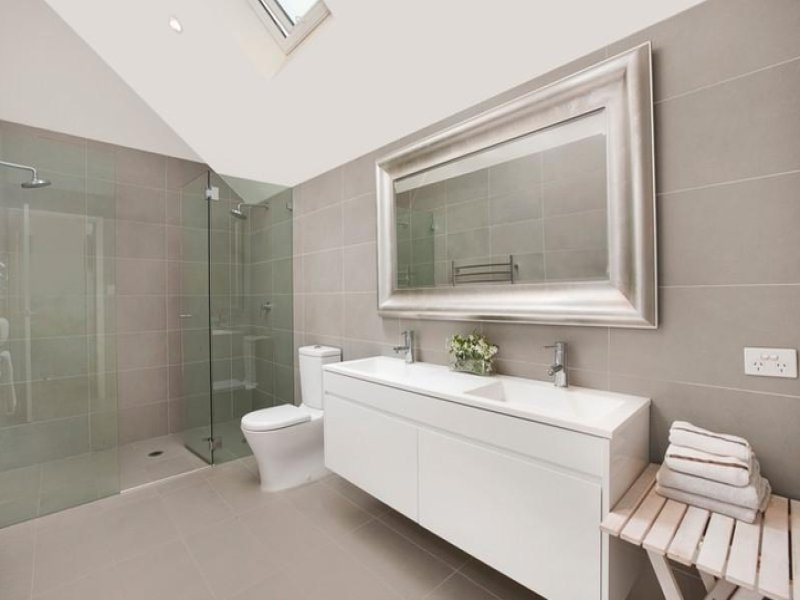 Ensuite shower ideas for Modern small ensuite