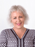 Maxine Piekarski, Gary Peer & Associates - Caulfield North