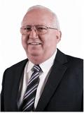 Gary Mackay,