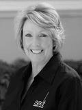 Lorraine Bratt,