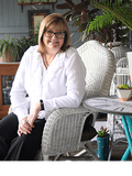 Renae Duff, Meagan Read Property - MUNDOOLUN