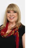 Lynne Cowell, Professionals 2261 - Bateau Bay