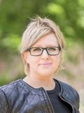 Stephanie Hendry, Luton Properties - GUNGAHLIN