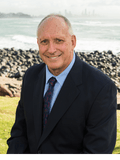 Mark Eaves, Professionals Black & Young - Burleigh Heads