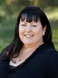 Pauline Barlow, Ray White - North Lakes