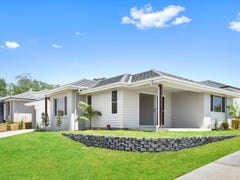 2/127 Sovereign Drive, Port Macquarie, NSW 2444