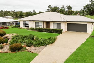 8 Gilbert Court, Highfields, Qld 4352