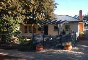 93 Russell Street, Deniliquin, NSW 2710